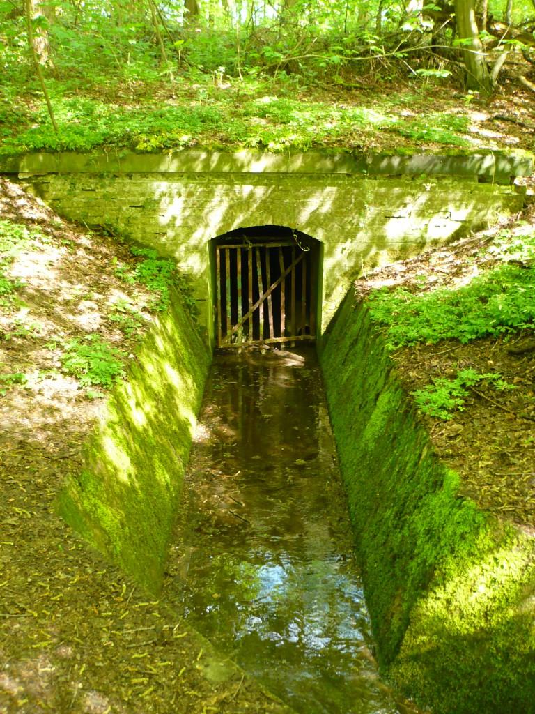 Mystérieux canal