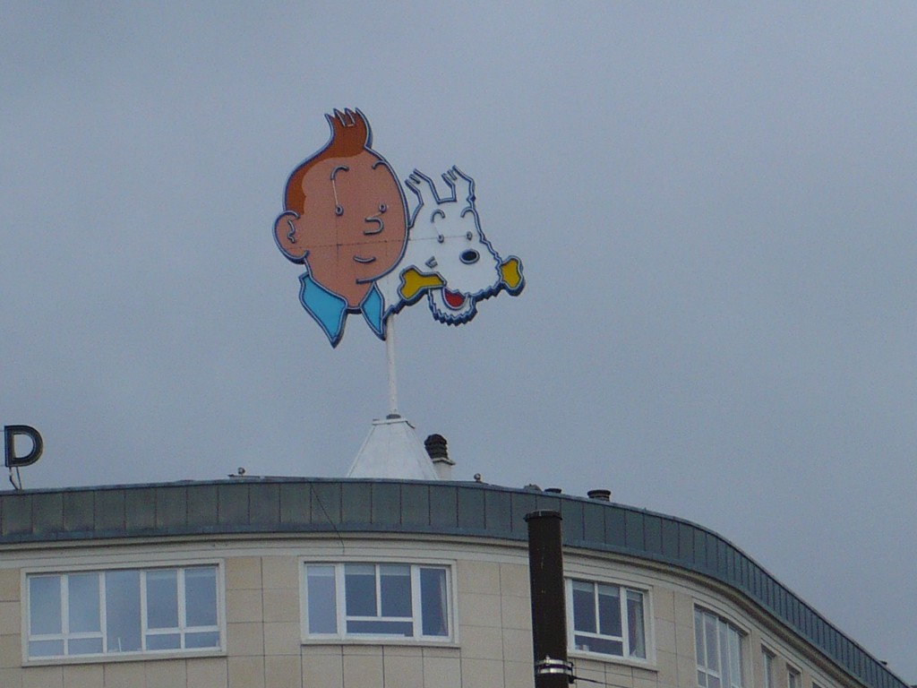 Zombie Tintin is watching you