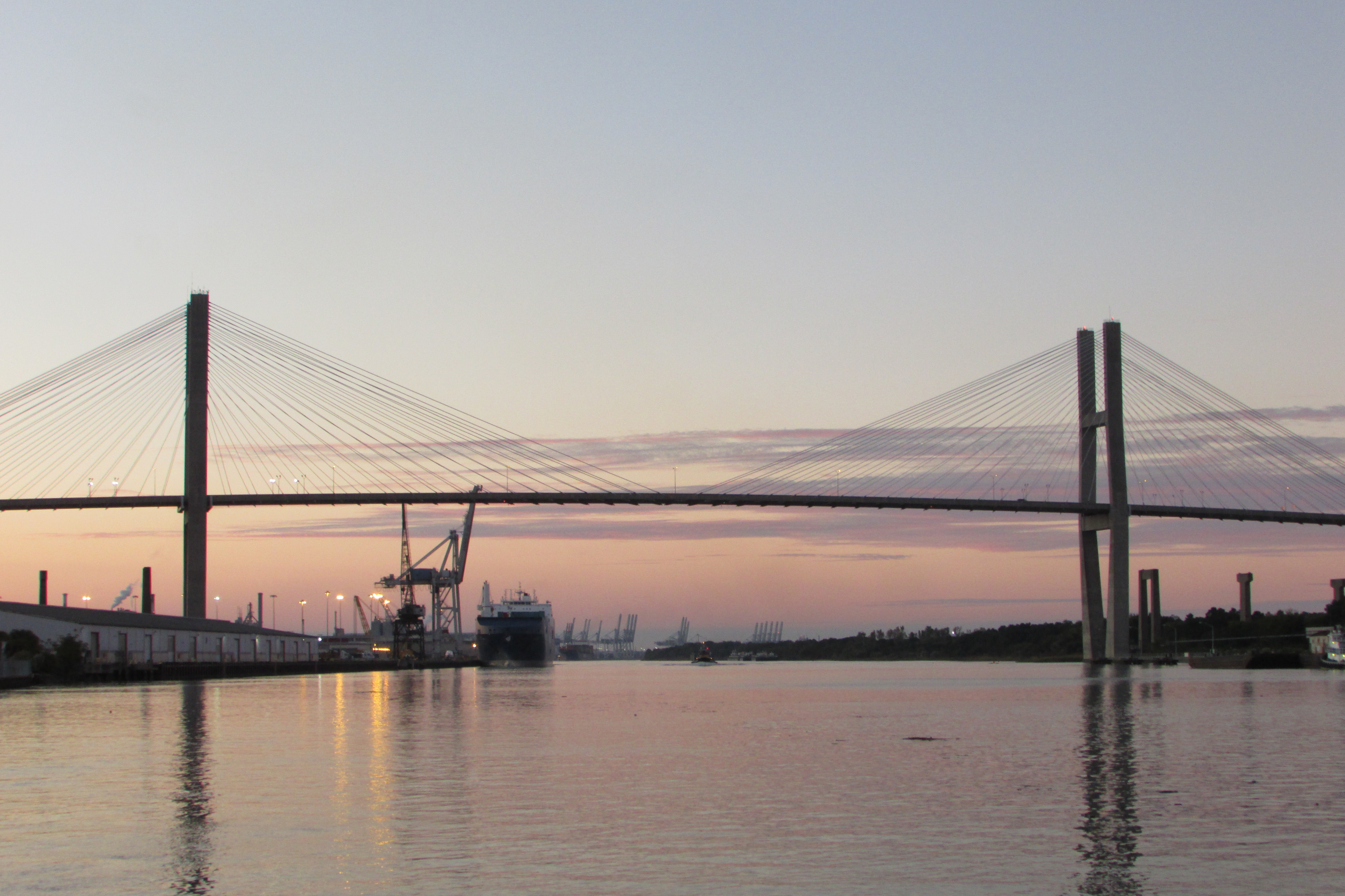 Coucher de soleil sur le pont de Savannah