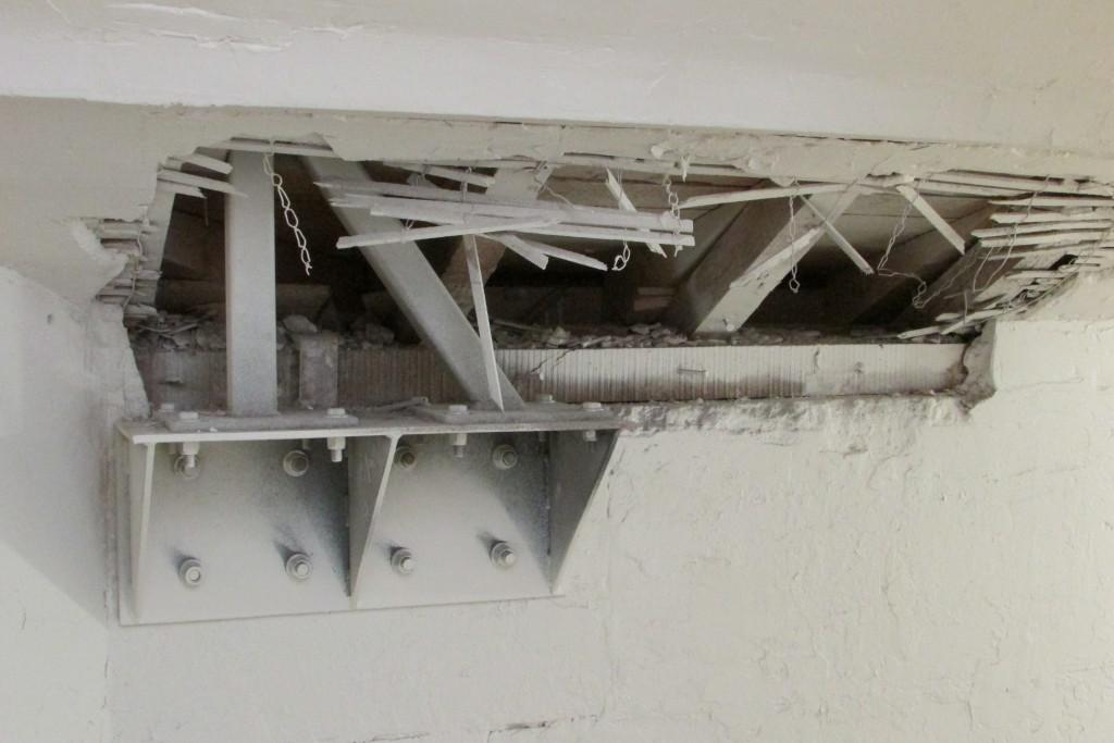 Cage d'escalier, modification du toit.