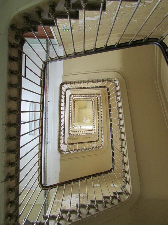 Escalier vu du dessous