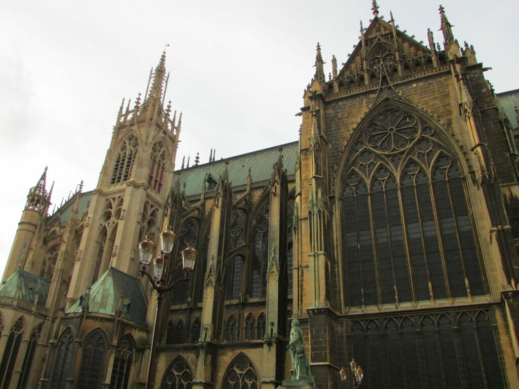 Côté de la cathédrale