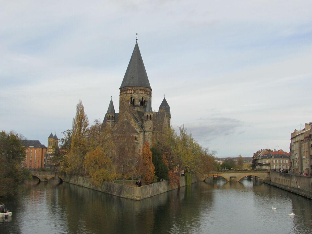 Église sur l'eau