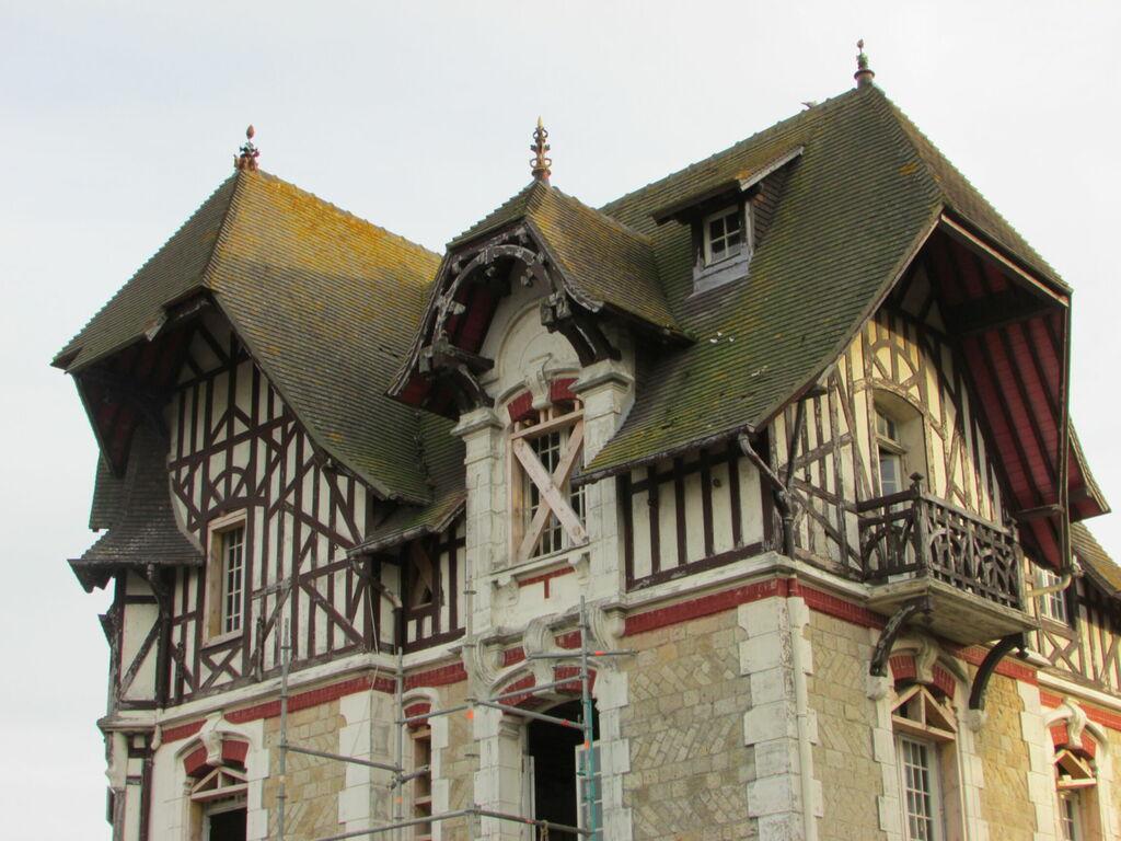 Maison au toit très couvrant