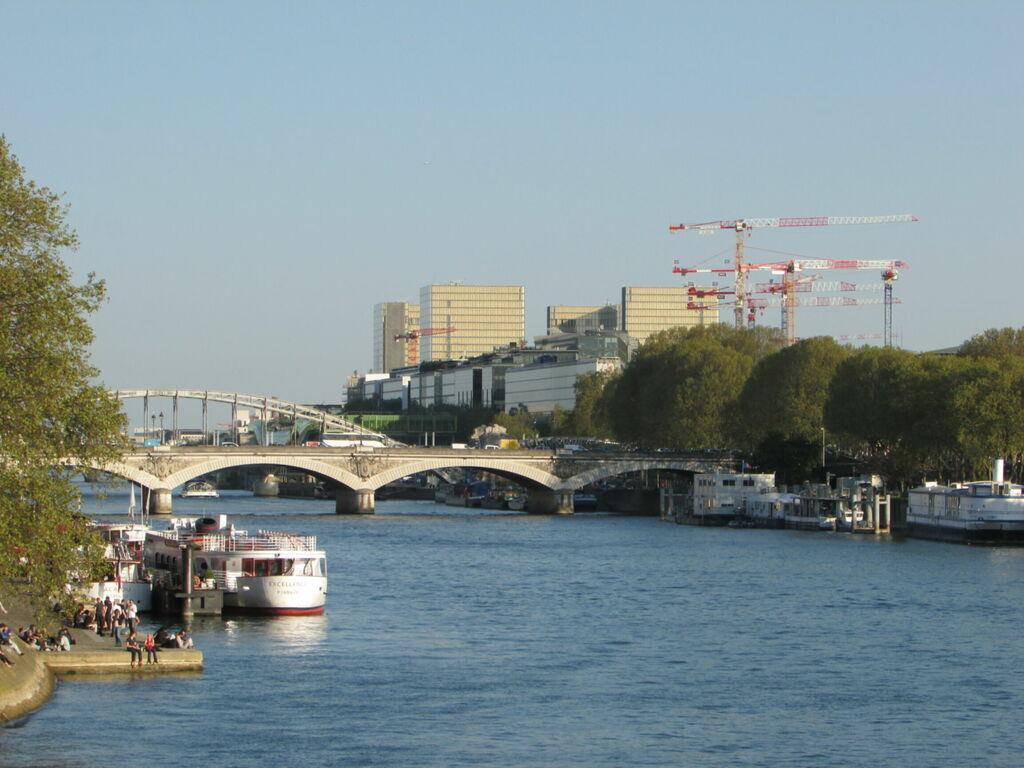 Vue de Paris au dessus de la Seine