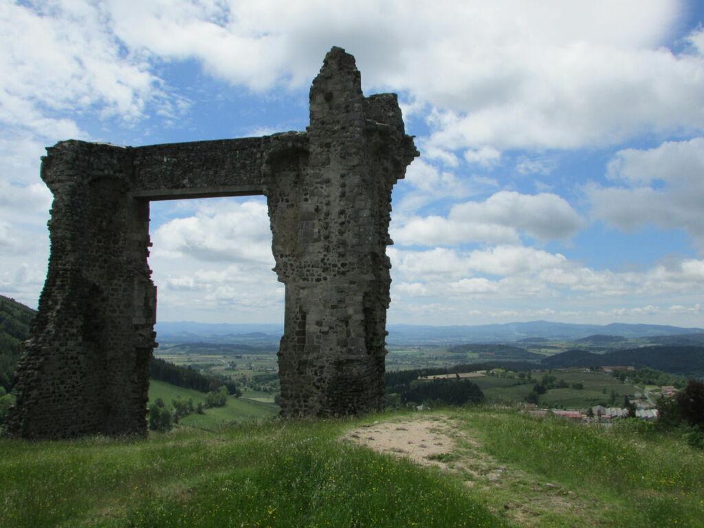 Reste du château d'Allègre