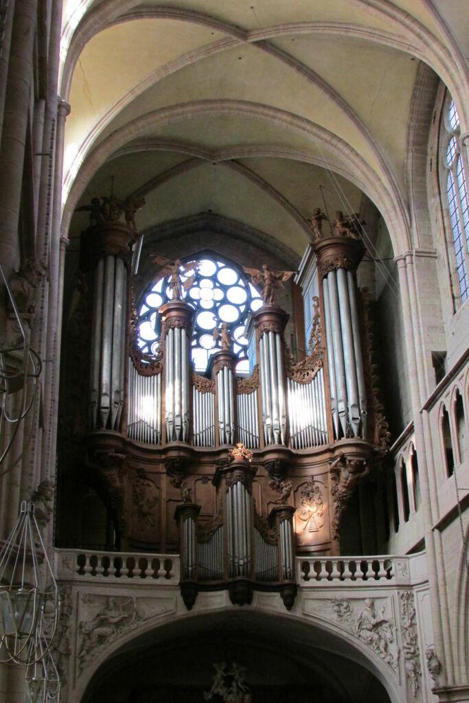 Orgue, Cathédrale Saint-Bénigne