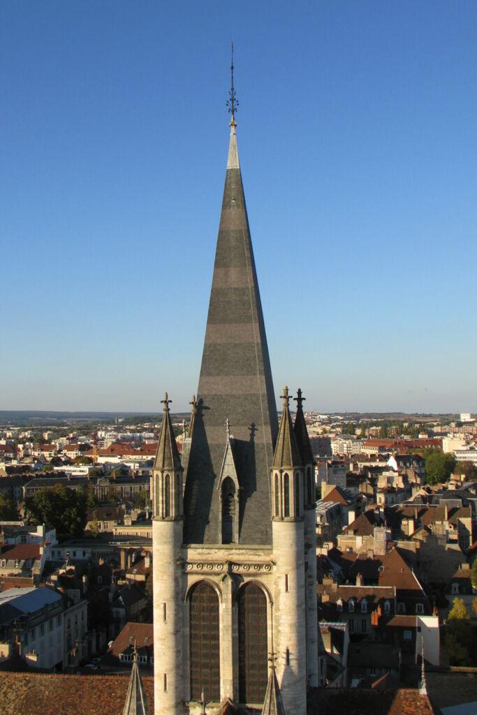 Tour de Notre-Dame de Dijon