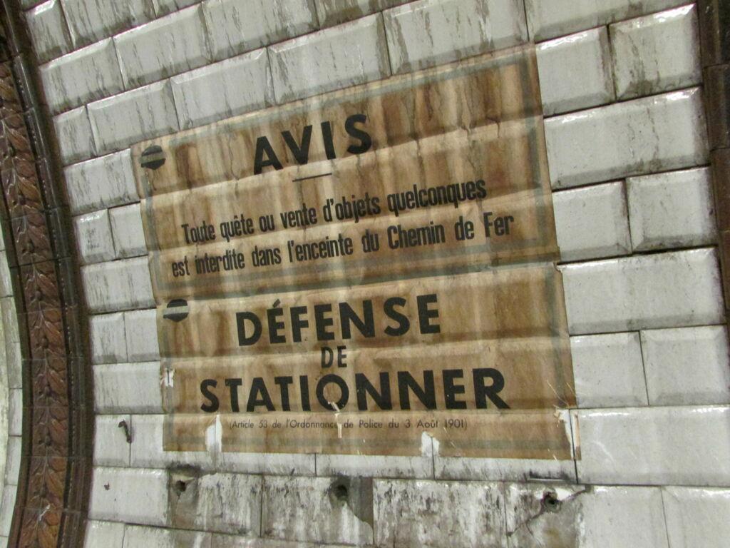 AVIS DÉFENSE DE STATIONNER