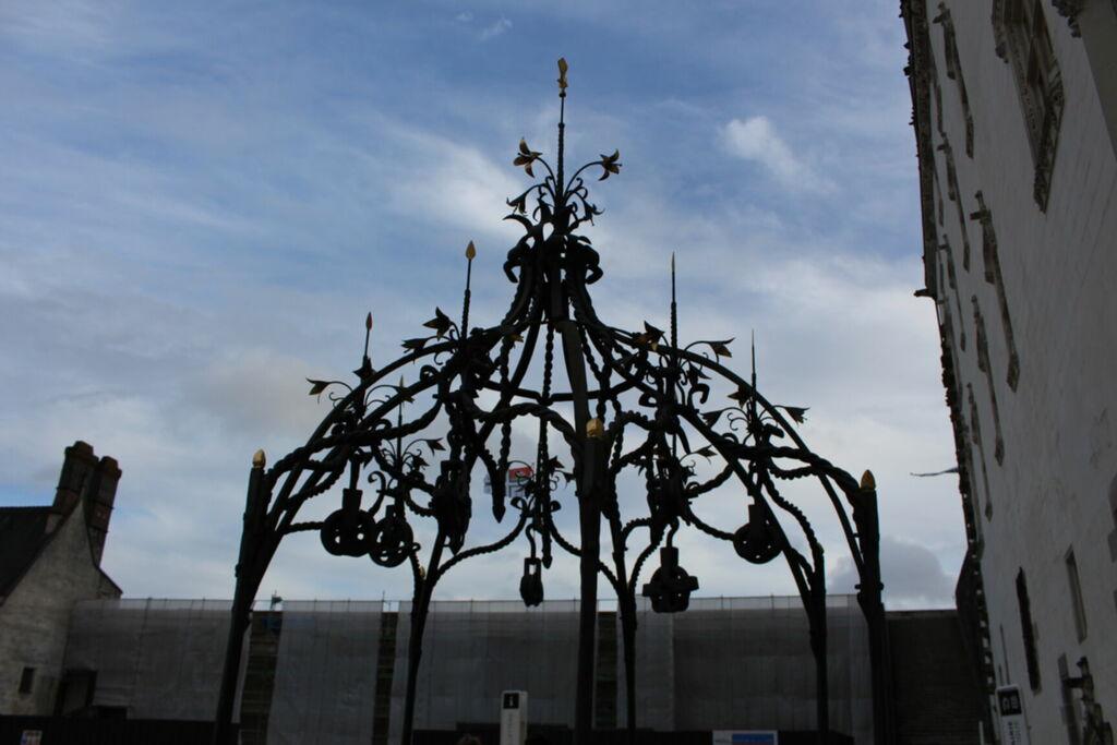 Puits de la cour du château de Nantes